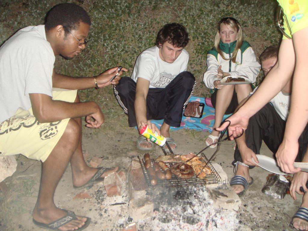 Braai (barbecue) at Sardinia Bay with friends
