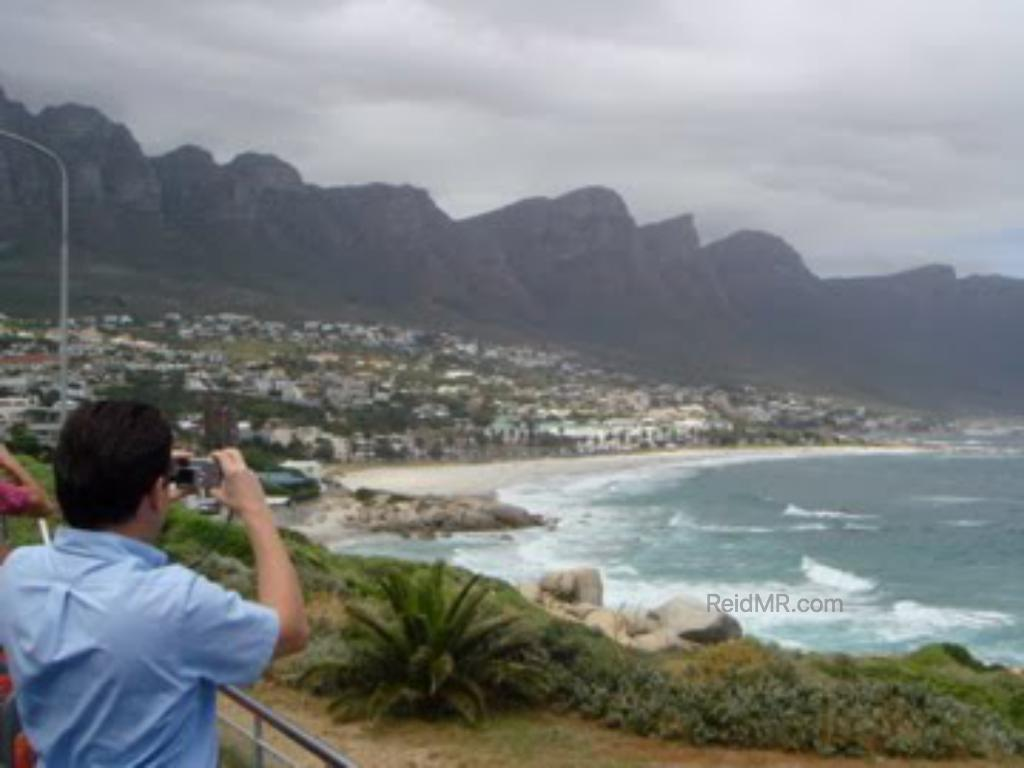 A nice view of the Twelve Apostle Mountain range, with Camps Bay and the ocean.