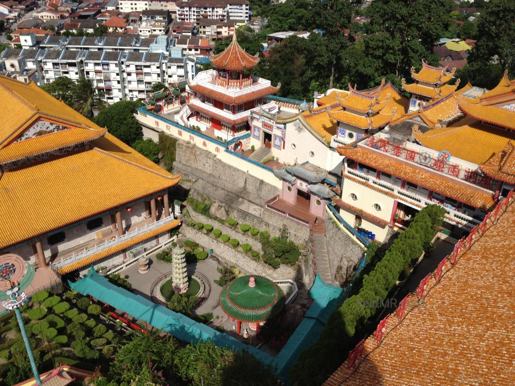 The Kek Lok Si Temple overview